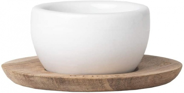 Eierbecher mit Unterteller, verschiedene Muster, Becher Porzellan / Unterteller Holz
