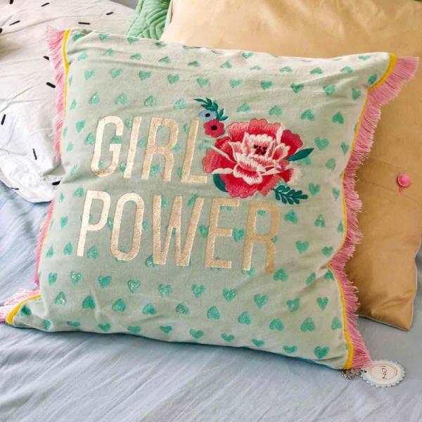 Kissenhülle Girlpower, Größe 40x40 cm, Stickerei und Druck auf Samt