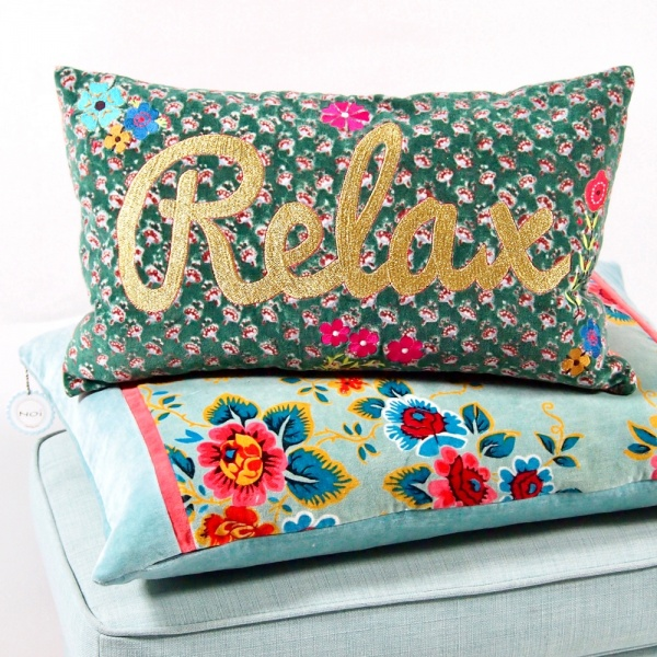 Kissenbezug Relax 30x50 cm mit Blumenstickerei